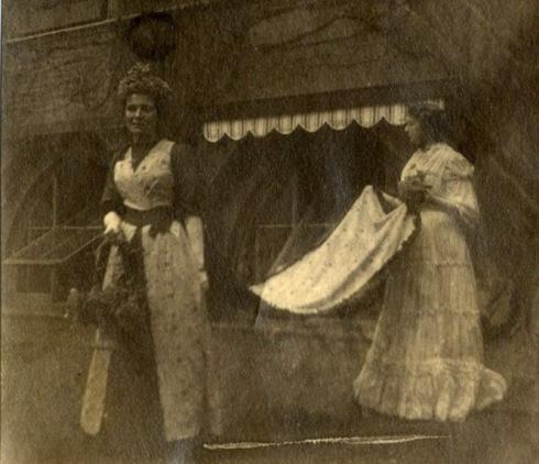 1892 Queen Elizabeth II 02