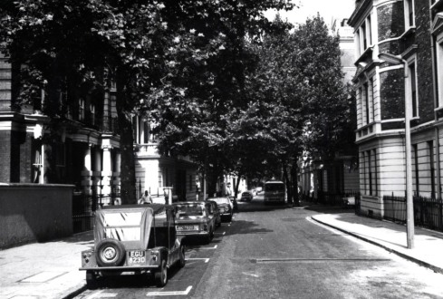 Linden Gardens looking north 1973 KS3714 mini moke